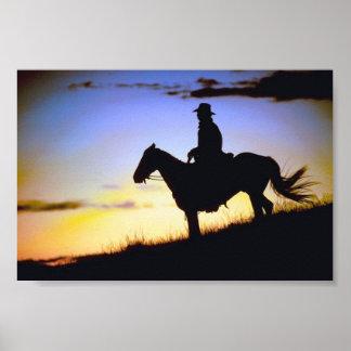 Silueta occidental de la puesta del sol del póster