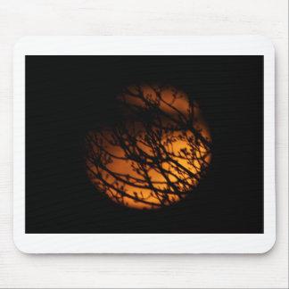 Silueta parcial del eclipse lunar alfombrilla de ratón