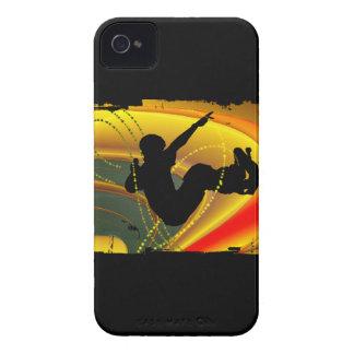 Silueta que anda en monopatín en el cuenco carcasa para iPhone 4 de Case-Mate