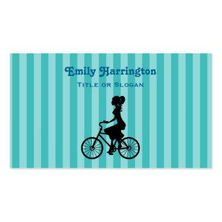 Silueta retra del ciclista del chica tarjetas de visita