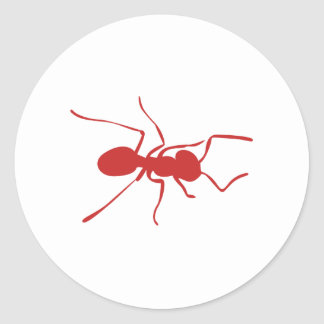 Silueta roja de la hormiga etiqueta redonda