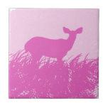 Silueta rosada de los ciervos azulejos