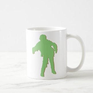 Silueta verde del zombi taza básica blanca