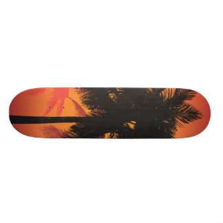 Siluetas de la puesta del sol de las palmeras patineta personalizada