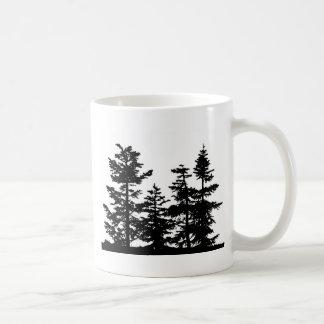 Siluetas del árbol taza de café