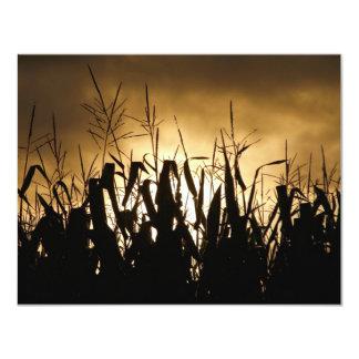"""Siluetas del campo de maíz invitación 4.25"""" x 5.5"""""""