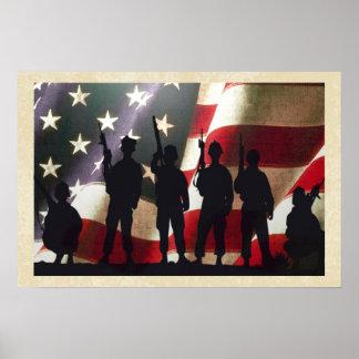 Siluetas militares patrióticas del soldado poster