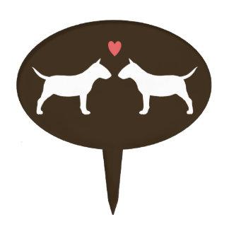 Siluetas miniatura de bull terrier con el corazón figuras de tarta