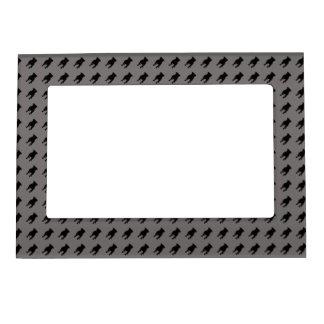Siluetas negras del barro amasado en fondo gris marcos magnéticos para fotos
