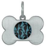 Siluetas tropicales de los Seahorses - azul negro Placas De Mascota