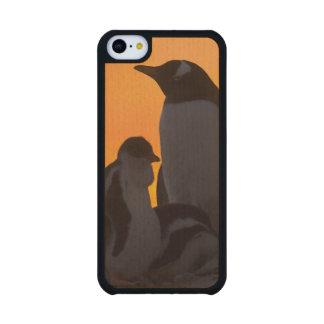 Siluetean a un adulto y un polluelo del pingüino funda de iPhone 5C slim arce