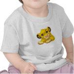 Simba el rey Raised Eyebrow Disney del león Camisetas