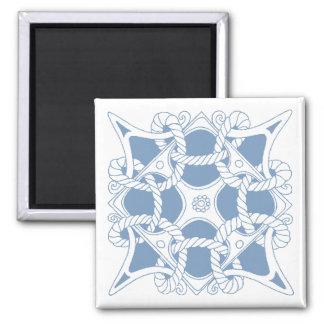 Simbolismo interconectado nudo céltico azul del ma imán cuadrado
