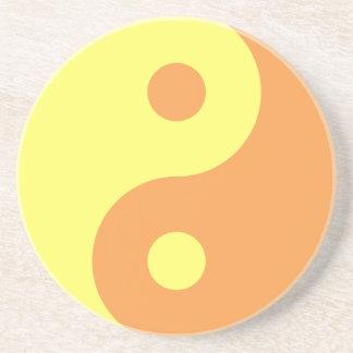 Símbolo amarillo de Yin Yang Posavaso Para Bebida