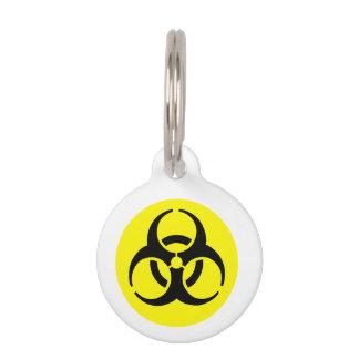 Símbolo amarillo del BioHazard Placas De Mascota