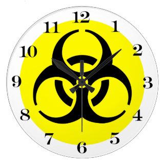 Símbolo amarillo del BioHazard Reloj