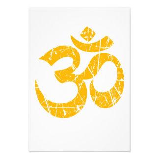 Símbolo amarillo rasguñado de OM de la yoga Anuncios Personalizados