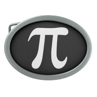 Símbolo blanco del pi en fondo negro hebilla de cinturón oval