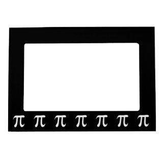 Símbolo blanco del pi en fondo negro marcos magnéticos