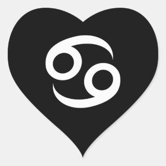 Símbolo blanco y negro del cáncer pegatina en forma de corazón