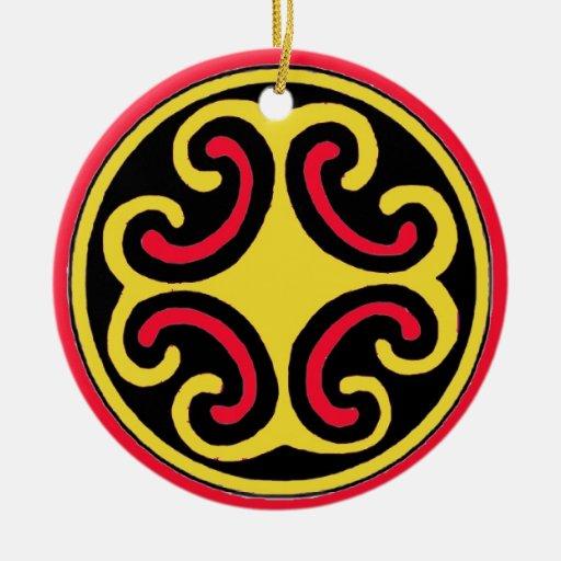 Símbolo céltico de la mandala del mundo natural adorno navideño redondo de cerámica