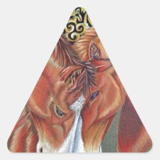 Símbolo céltico del zodiaco del caballo pegatina triangular