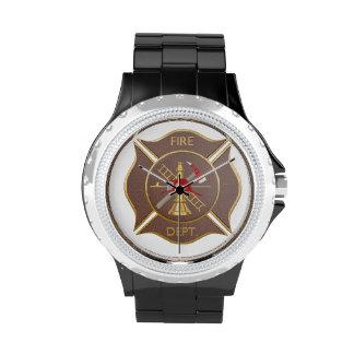 Símbolo contraincendios cruzado de cuero de Brown Reloj De Mano