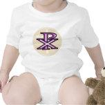 Símbolo cristiano traje de bebé