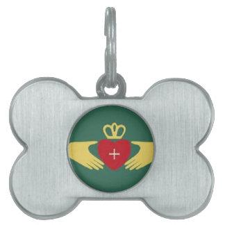 Símbolo de Claddaugh, amor irlandés y regalos de l Placa Mascota