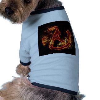 Símbolo de fuego ateo ropa para mascota