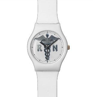 Símbolo de la enfermera registradoa reloj de mano