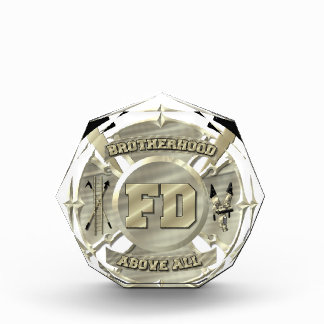 Símbolo de la fraternidad del bombero del oro