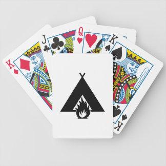 Símbolo de la hoguera y de la tienda barajas de cartas