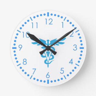 Símbolo de la veterinaría reloj redondo mediano