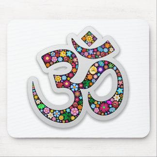 Símbolo de la yoga de Aum Namaste del ohmio de OM Tapetes De Ratones