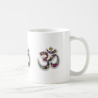 Símbolo de la yoga de Aum Namaste del ohmio de OM Taza Clásica