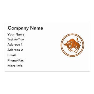 Símbolo de madera tallado del zodiaco del tauro plantillas de tarjeta de negocio