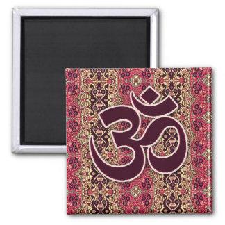 Símbolo de OM con el fondo indio del diseño Iman De Nevera