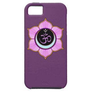 Símbolo de OM en mandala del pétalo de Lotus iPhone 5 Cárcasas