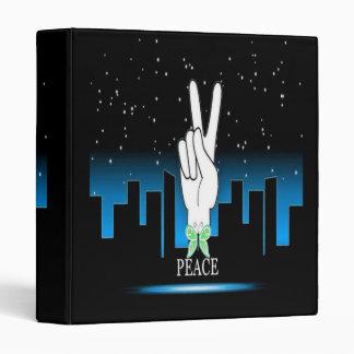 """Símbolo de paz de la mano con un fondo de la carpeta 1"""""""