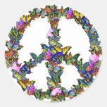 Símbolo de paz de la mariposa pegatina redonda