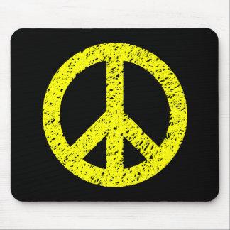 Símbolo de paz estarcido garabato - amarillo en ne alfombrilla de ratones