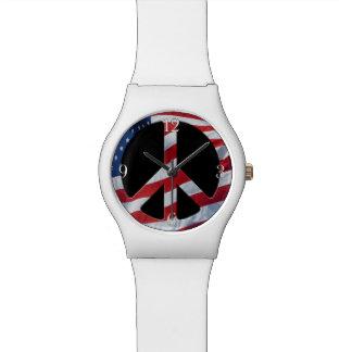 Símbolo de paz patriótico - bandera de los relojes de mano