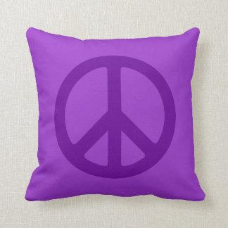 Símbolo de paz púrpura cojín decorativo