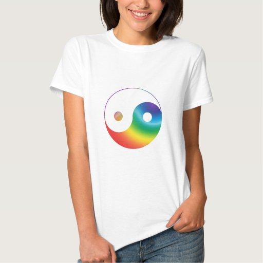 Símbolo de Yin Yang del arco iris Tshirt