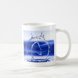 Símbolo del ateo del chapoteo del agua taza de café