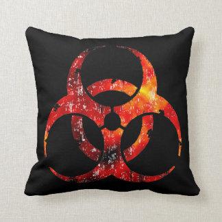 Símbolo del Biohazard su almohada de tiro