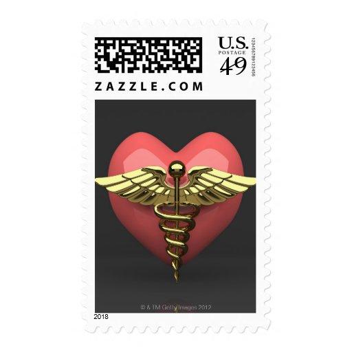 Símbolo del corazón con el símbolo médico franqueo