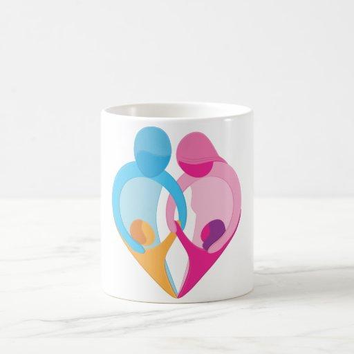 Símbolo del corazón del amor de la familia taza clásica
