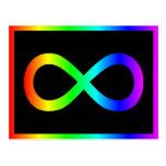 Símbolo del infinito del arco iris tarjeta postal